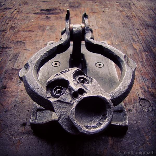 knocker1